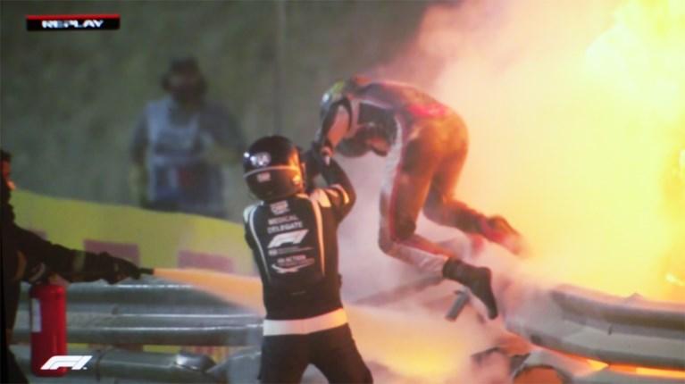 Romain Grosjean is verlost van handverband (tot groot jolijt van poes Petrus)