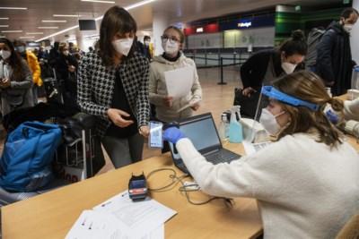 Aantal besmettingen blijft stijgen en terugkerende reizigers zijn maar een deel van de oorzaak