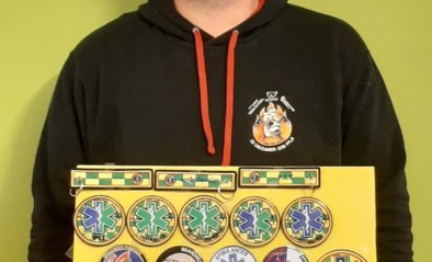 Brandweerspotter schenkt 1.000 euro aan MUG-heli na verkoop badges