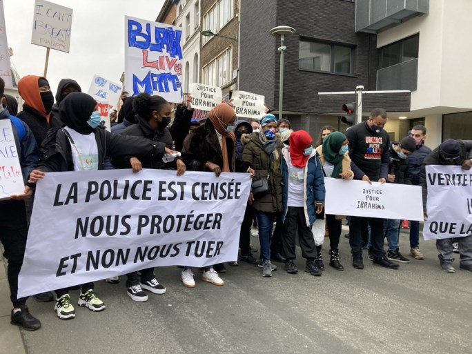 Betoging voor Ibrahima ontspoort volledig: agent raakt zwaargewond, meer dan 100 arrestaties