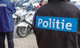 Bromfietsers verstoppen snel 'opgefokte' voertuigen in de garage