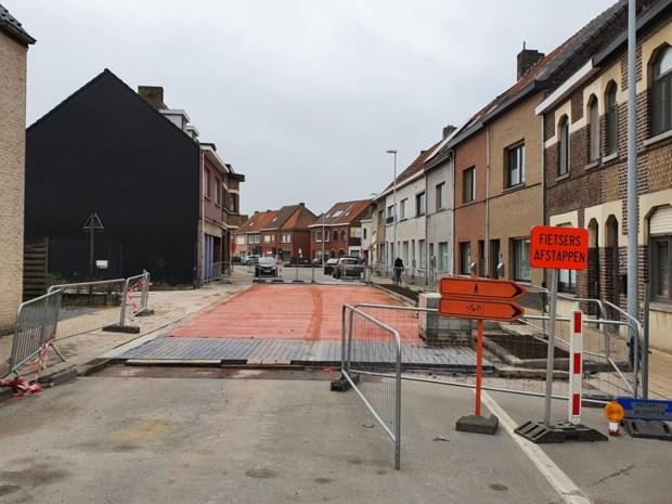 """Schepen eist van aannemer dat straat weer opengaat: """"Het móést"""""""