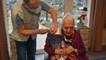 107-jarige Irene krijgt vaccin in Hamonts woonzorgcentrum