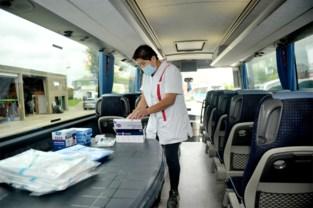 """Sneltestbus riskeert 100.000 euro boete als hij uitrijdt: """"Vlak na kerstvakantie hadden we nochtans vijftig bussen de baan op kunnen sturen"""""""