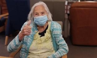 Cyrilla (102) krijgt eerste prik