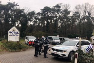Politie controleert lockdown in Fauwater