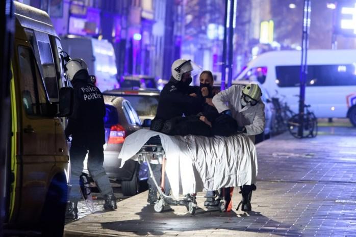 """Agente Kelly werd bijna lam geschopt tijdens rellen: """"De burgemeesters laten het allemaal toe"""""""