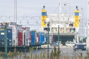 Truckchauffeur die verdacht wordt van drugssmokkel in haven blijft maand langer in cel
