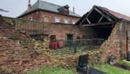 Dat heet muurvast: na twee jaar is ingestorte schuurmuur nog niet hersteld, gemeente staat machteloos