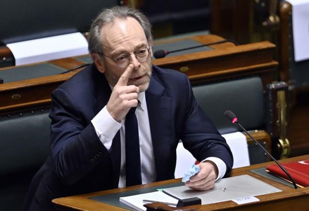 """N-VA boos op ministers: """"De regering mag toch blijk geven van meer respect voor de wetgevende macht"""""""