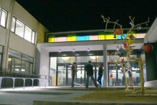 Inwoners Riemst en Hoeselt worden gevaccineerd in Bilzen, Herstappenaren naar Tongeren