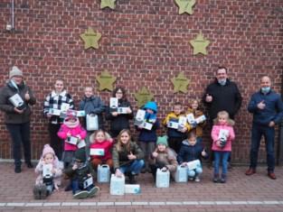 VBS Sterreneiland dankt sponsors voor vijfduizend euro aan coronamateriaal