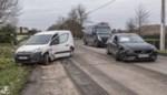 Hinder door ongeval, twee bestuurders blijven ongedeerd