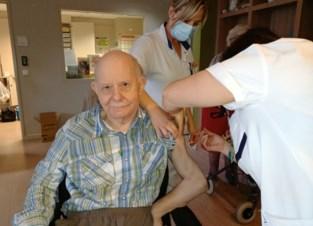 """Eerste vaccins in Bilzens rusthuis: """"Het waren verwarrende maanden"""""""