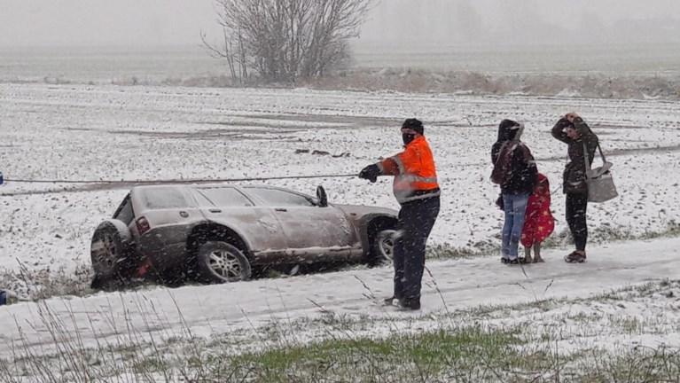 Eerste sneeuw veroorzaakt onmiddellijk al ongevallen in West-Vlaanderen