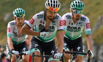 """Renners BORA op training aangereden door wagen: """"Drie renners afgevoerd"""""""