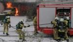 Wagen uitgebrand onder carport, parket stelt branddeskundige aan