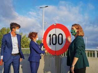Vier maanden 100 km/u op Brusselse Ring: bijna 56.000 boetes uitgedeeld en 375 rijbewijzen ingetrokken