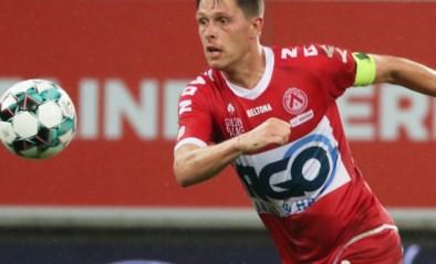 CLUBNIEUWS. KV Kortrijk-kapitein op weg naar Cercle Brugge, Chakvetadze (AA Gent) op de terugweg