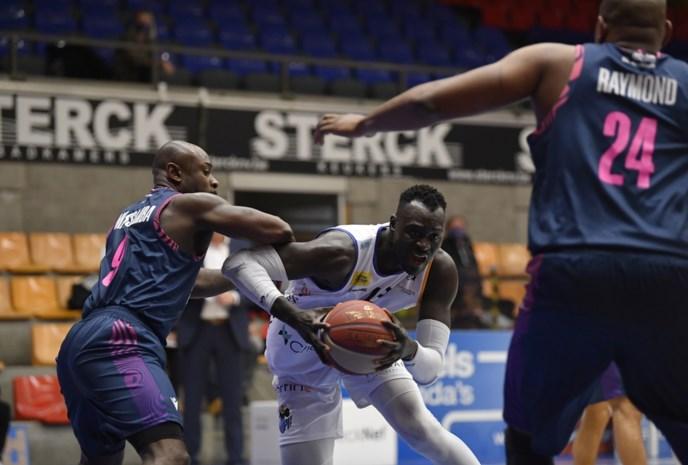 """Senegalees Pape Badji met Okapi helemaal op toerental: """"Alles begint bij sterke defensie"""""""