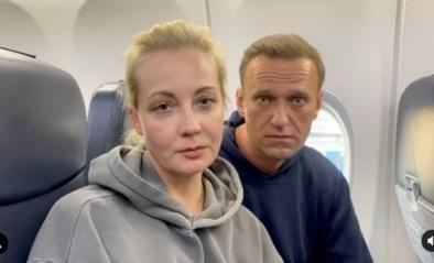 Navalny opgepakt door de politie bij aankomst in Moskou