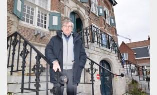 """Chris De Wispelaere (73) viert een halve eeuw in de gemeentepolitiek: """"Zolang ik me goed voel, doe ik verder. Maar het is niet mijn bedoeling om een record te breken"""""""