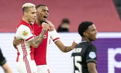 Ajax wint Klassieker tegen Feyenoord na flauwe pot