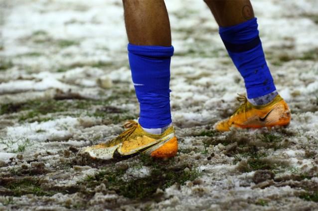Professional Refereeing Department steunt beslissing om te spelen op besneeuwde velden na klacht van Racing Genk