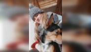 """Onbekende rijdt hondje van Eulalie (22) dood en pleegt vluchtmisdrijf: """"Ik was in shock toen ik Polo zag liggen"""""""