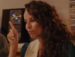 """Ann Van Elsen verklapt jeugdgeheim, dochter June gelooft haar oren niet: """"Zoiets doe je toch niet!"""""""
