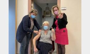 Vorige week nog massaal gevaccineerd, nu vreest woon-zorgcentrum mogelijke uitbraak na besmetting