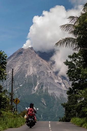Indonesische vulkaan Merapi spuwt opnieuw lava, as en puin