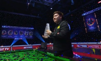 """Piepjonge Chinees Yan Bingtao wint Masters snooker: """"Gelukkig kon ik de kalmte bewaren"""""""