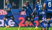 Romelu Lukaku wint met Inter de topper tegen Juventus en komt (voorlopig) mee aan de leiding