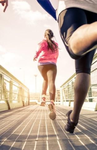 Tieners in huis die niet veel sporten? Zo hou je hen fit