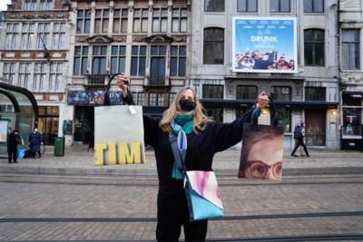 Bioscoop Sphinx verkoopt pennenzakken en schoudertassen van oude filmposters