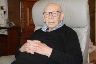 Celstraf en boete voor 'vriendelijke' zorgkundige die lades van Emile (90) leegroofde en in de val gelokt werd door zijn kinderen