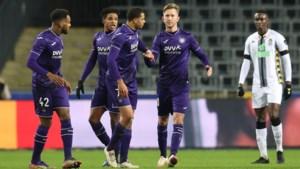 """Vincent Kompany zag meerdere goede zaken tegen Charleroi: """"Mooi dat Vlap de tweede penalty mocht nemen"""""""