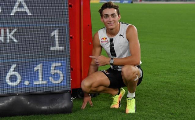 """Armand Duplantis valt in de prijzen op Zweeds sportgala: """"Ik voel mij zo welkom"""""""