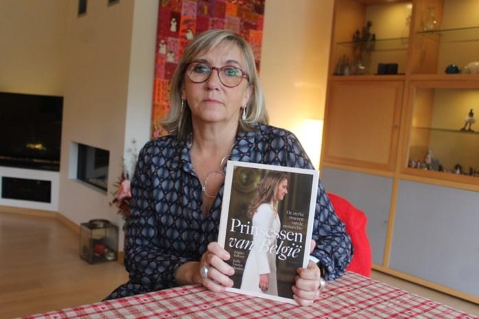 """Iedereen wil het boek lezen van royaltywatcher Joëlle Vanden Houden: """"Koning Filip werd eigenlijk opgevoed door het personeel"""""""