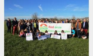 """Actiegroep blijft strijd voeren tegen plannen voor 296 nieuwe sociale woningen naast hun deur: """"Oplossing lijkt verder weg dan ooit"""""""
