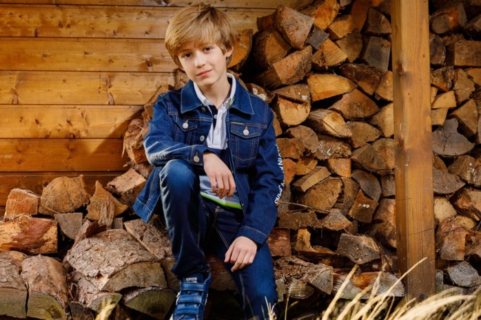 """Vlaamse Matteo is amper tien en al internationaal model: """"Het hoogtepunt? Acht dagen in China"""""""