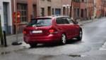 Zegen voor verkeersveiligheid volgens de ene, nutteloze autovernielers voor de andere: 'boldrempels' verdelen buurt