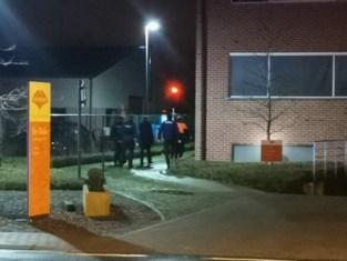 """Burgemeester woedend nadat woon-zorgcentrum midden in de nacht opgeschrikt werd door bommelding: """"Wansmakelijk idee van een zieke geest"""""""
