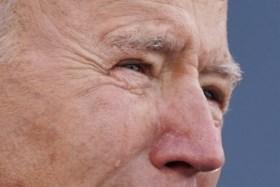 Biden houdt herdenking voor ruim 400.000 coronaslachtoffers