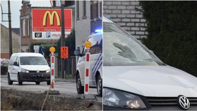 Jonge voetganger (12) gegrepen door auto, vriendje ziet alles gebeuren