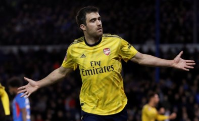 Arsenal beëindigt contract van Sokratis Papastathopoulos
