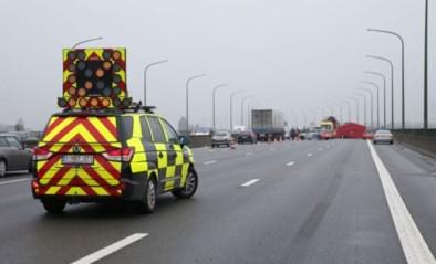 Jonge vrouw komt om bij ongeval op E313 in Massenhoven