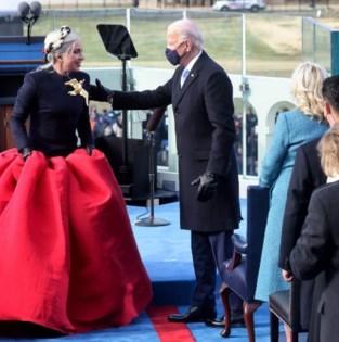 Jill Biden in blauw, Jennifer Lopez in Chanel: de mooiste outfits tijdens de inauguratie