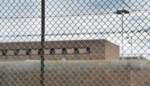 """Jaar cel voor gevangene die """"pestende"""" cipier toetakelt met deksel van waterkoker"""